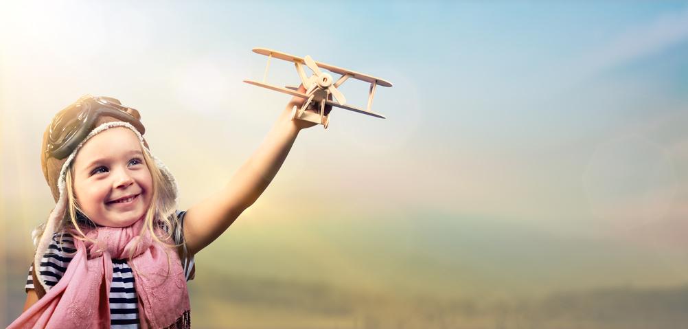 Conseils pour voyager en avion avec son enfant