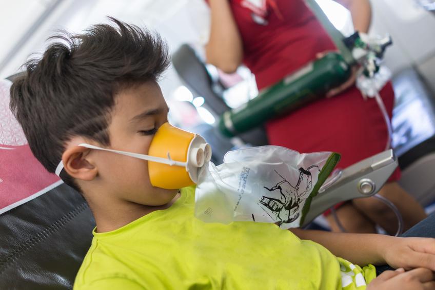 Voyageur asthmatique : précautions avant un vol en avion