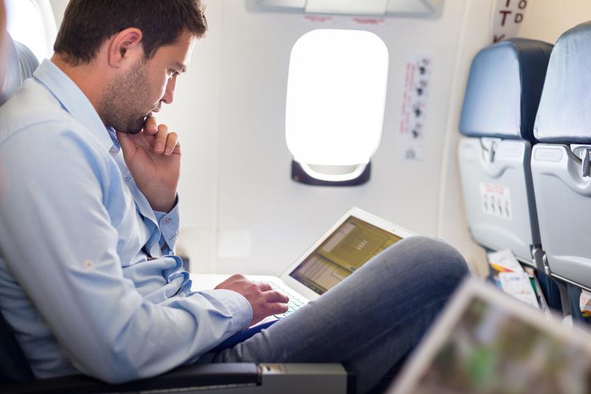 Quelles compagnies proposent internet dans l'avion