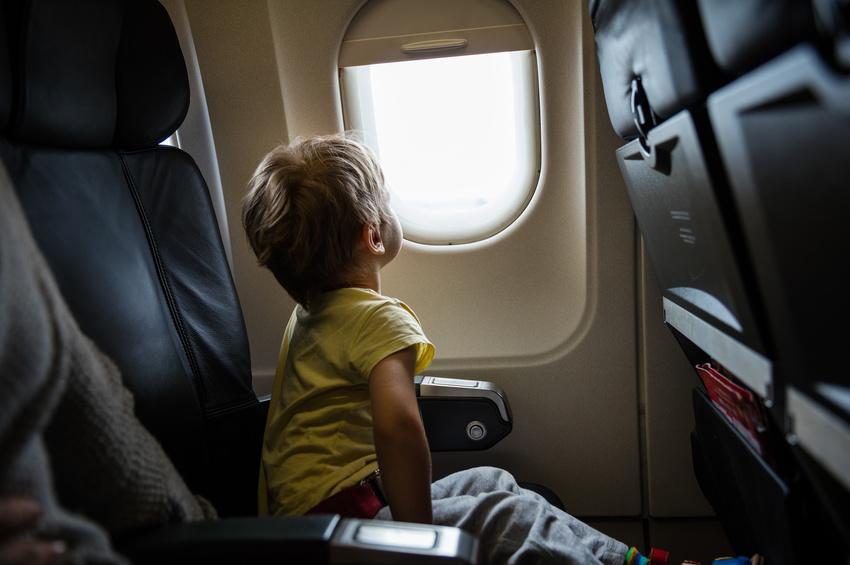 Enfant non accompagné dans un vol de la compagnie adria airways