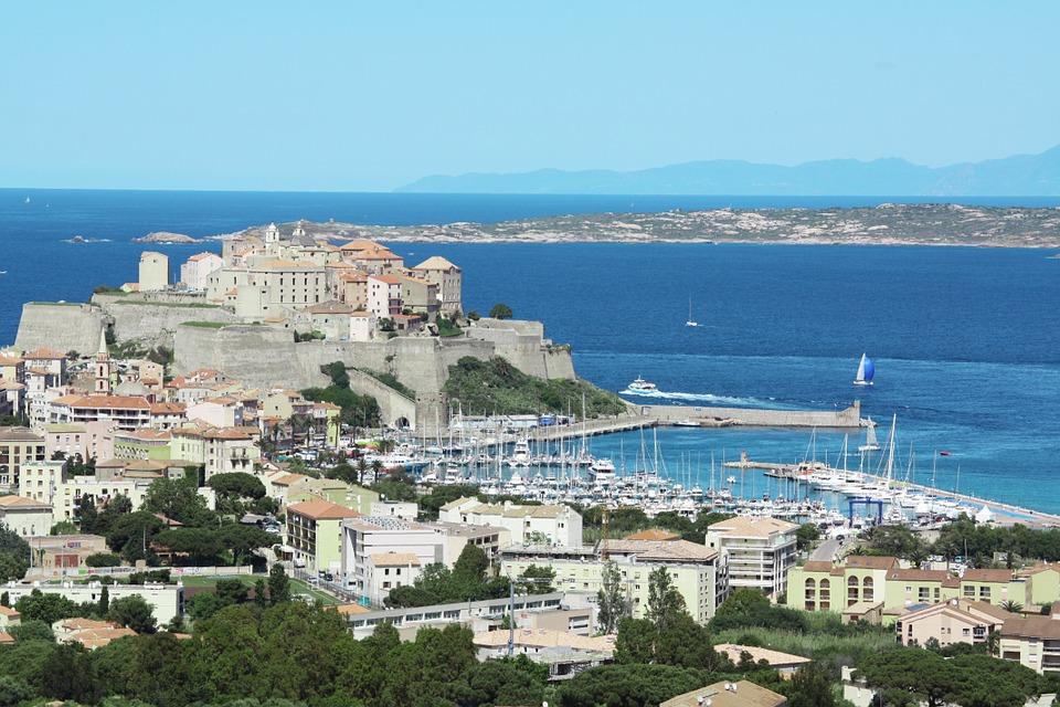 Voyager en Corse