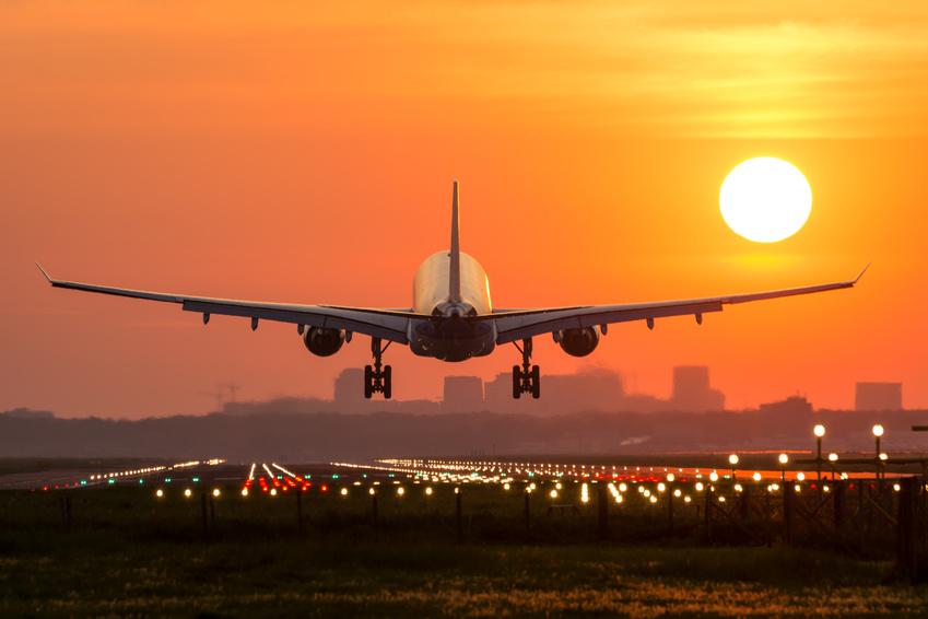 Prendre l'avion la nuit : se reposer